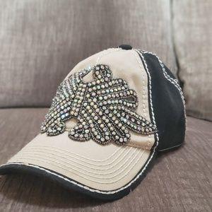 Olive & Pique Vintage Style Hat